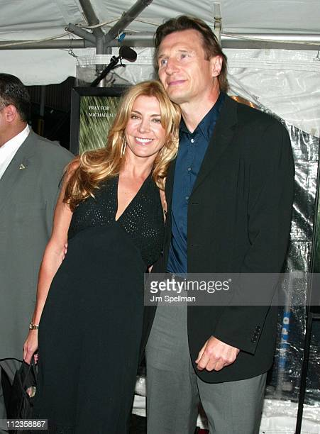"Natasha Richardson & Liam Neeson during ""Road to Perdition"" - New York Premiere at Ziegfeld Theatre in New York City, New York, United States."