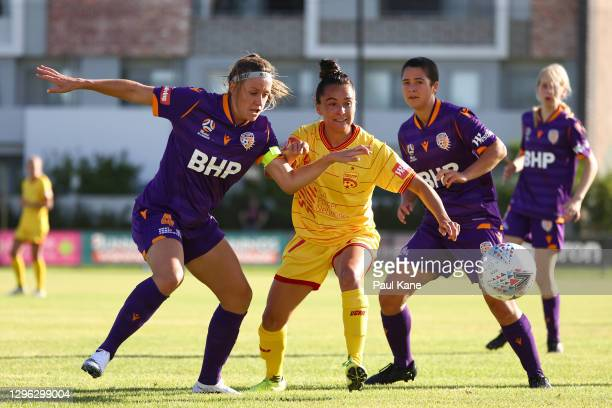 Natasha Rigby of the Glory and Maria Jose Rojas of Adelaide United contest for the ball during the round four W-League match between the Perth Glory...