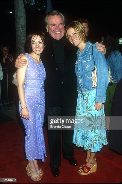 Natasha Wagner left her father Robert Wagner and her sister Courtney attend the Los Angeles Premiere of her new movie High Fidelity March 28 2000