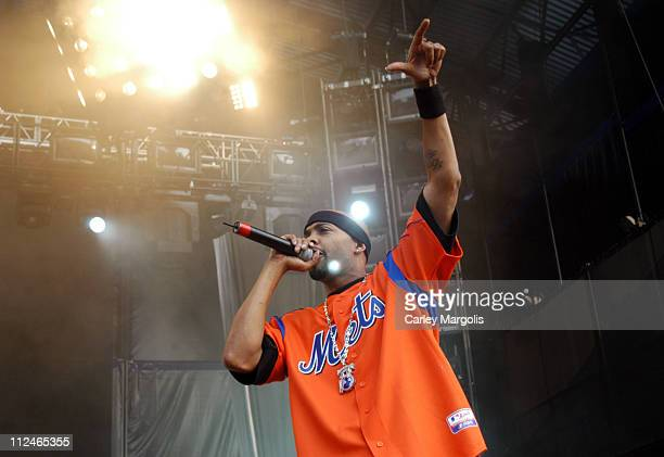 Nate Dogg of 213 during Linkin Park's Projekt Revolution 2004 August 2 2004 at Jones Beach Theater in Wantagh New York United States