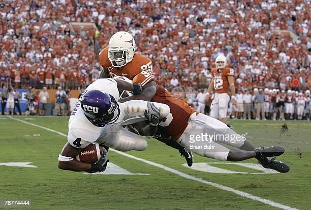nate-jones-of-the-texas-longhorns-tackle