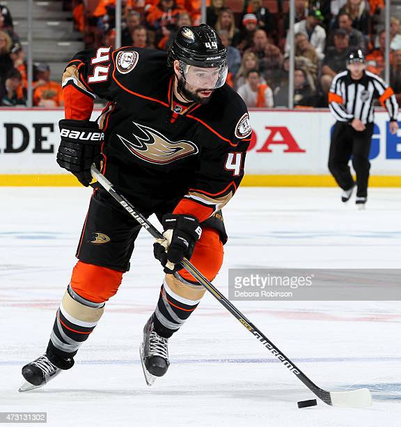 Nate Thompson of the Anaheim Ducks handles the puck against the Calgary Flames in Game Five of the Western Conference Semifinals during the 2015 NHL...