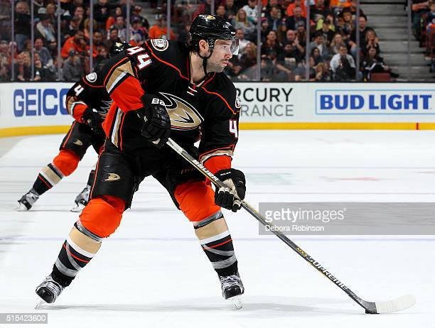 Nate Thompson of the Anaheim Ducks handles the puck during the game against the Edmonton Oilers on February 26 2016 at Honda Center in Anaheim...
