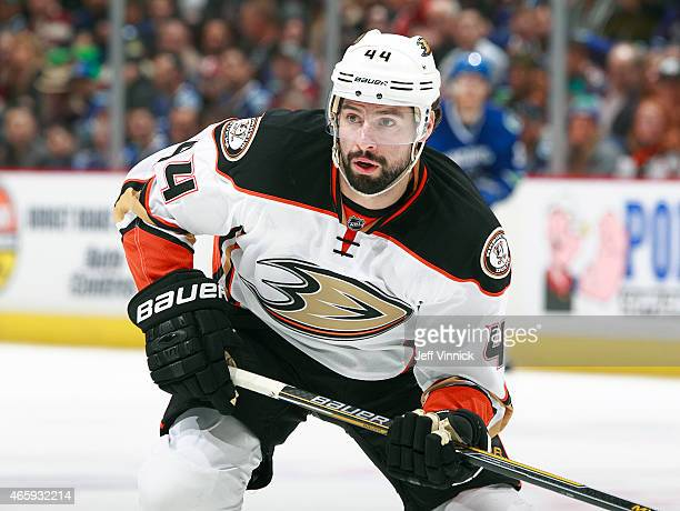Nate Thompson of the Anaheim Ducks skates up ice during their NHL game against the Vancouver Canucks at Rogers Arena March 9 2015 in Vancouver...