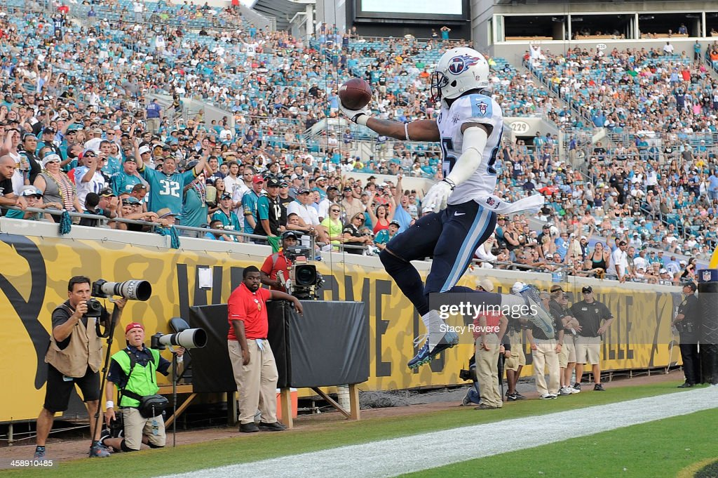Nate Washington #85 of the Tennessee Titans celebrates a touchdown against the Jacksonville Jaguars during a game at EverBank Field on December 22, 2013 in Jacksonville, Florida. Tennessee won the game 20-16.
