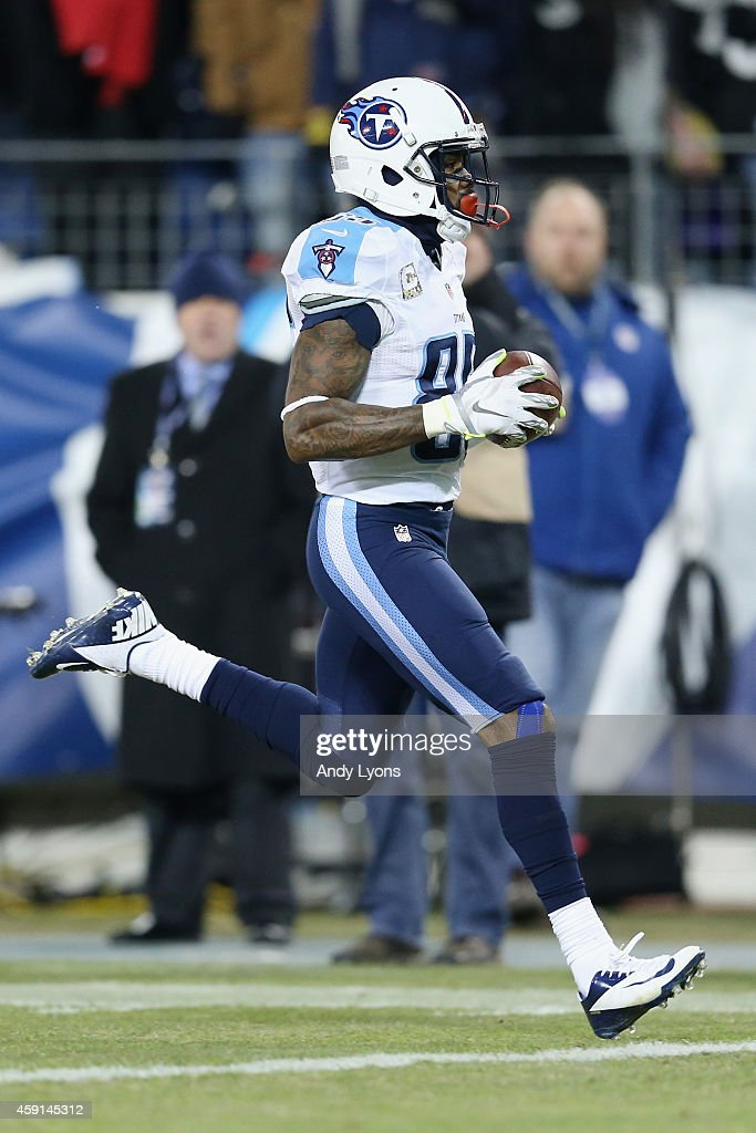 Nate Washington #85 of the Tennessee Titans has an 80 yard touchdown reception in the second quarter against the Pittsburgh Steelers at LP Field on November 17, 2014 in Nashville, Tennessee.