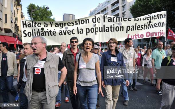 Nathalie Arthaud porteparole de Lutte Ouvrière à la manifestation propalestinienne à Paris France le 23 juillet 2014