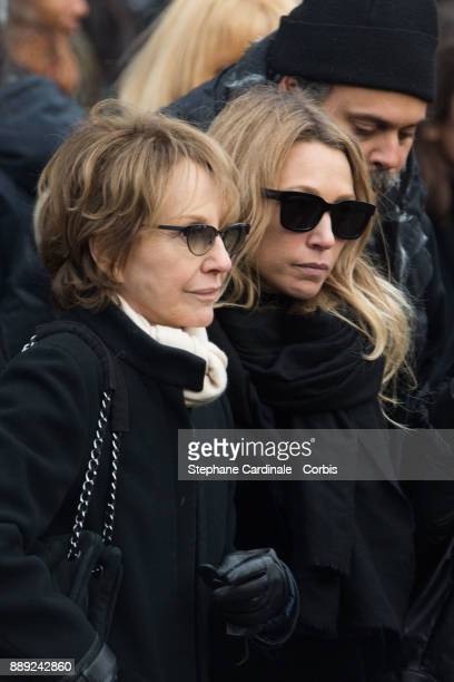 Nathalie Baye and Laura Smet during Johnny Hallyday's Funeral at Eglise De La Madeleine on December 9 2017 in Paris France France pays tribute to...