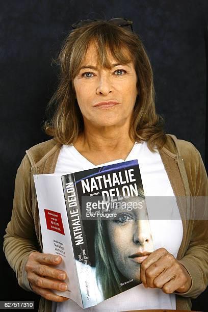 Nathalie Delon on the set of TV show Les Grands Rire