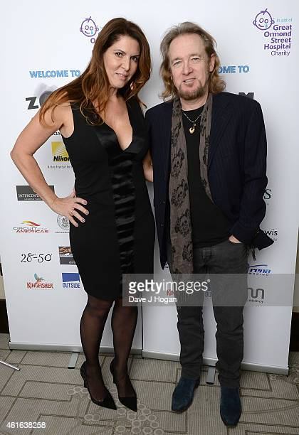 Adrian Smith avec chouette, femme Nathalie Dufresne-Smith