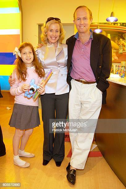 Nathalie Hoadley Amy Hoadley and Mark Gilbertson attend LENOX HILL NEIGHBORHOOD HOUSE Kid's In Candyland at Dylan's Candy Bar on May 22 2006 in New...