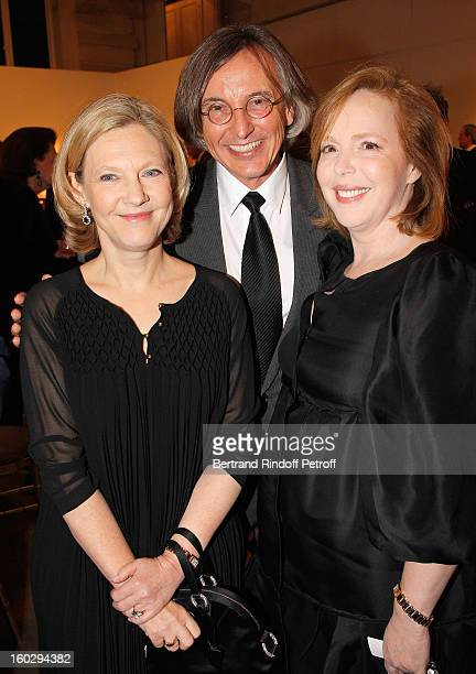Nathalie Merveilleux du Vignaux Pierre Passebon and Cecile DavidWeill attend a dinner in honor of Helene DavidWeill who presided through 1994 2012...