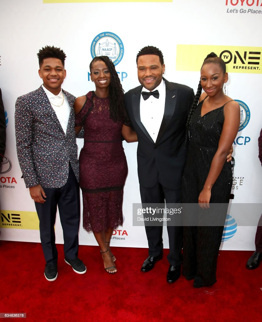 48th NAACP Image Awards - Arrivals : News Photo