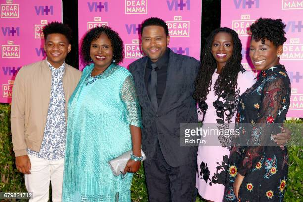 Nathan Anderson Doris Hancox host Anthony Anderson Alvina Stewart and Kyra Anderson attend the VH1 'Dear Mama' taping on May 6 2017 in Los Angeles...