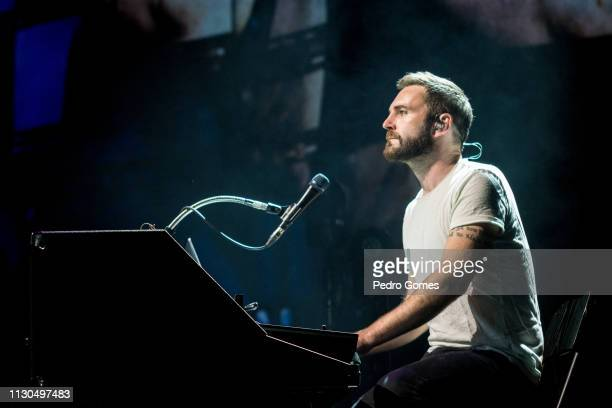Nathan Connolly of Snow Patrol performs at Campo Pequeno on February 16 2019 in Lisbon Portugal