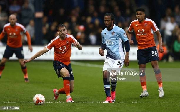 Nathan Delfouneso of Blackpool plays the ball during the Sky Bet League Two Play off Semi Final Second Leg match between Luton Town and XBlackpool at...