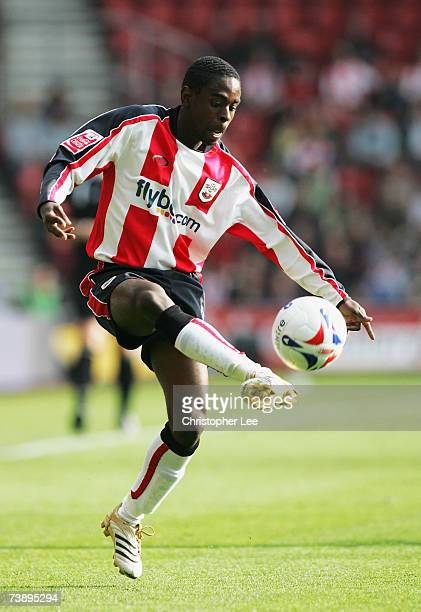 Nathan Dyer of Southampton in action during the CocaCola Championship match between Southampton and Sunderland at St Marys Stadium on April 9 2007 in...