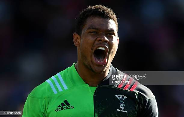 Nathan Earle of Harlequins celebrates at the final whistle during the Gallagher Premiership Rugby match between Gloucester Rugby and Harlequins at...