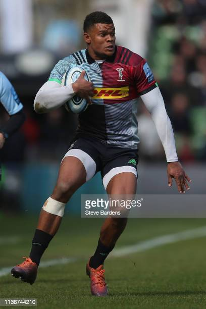 Nathan Earle of Harlequins runs with the ball during the Gallagher Premiership Rugby match between Harlequins and Northampton Saints at Twickenham...