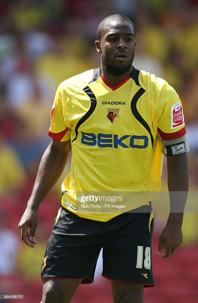 Soccer - Coca-Cola Football League Championship - Play Off Semi Final - First Leg - Watford v Hull City - Vicarage Road : News Photo