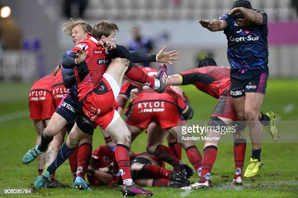 Nathan Fowles of Edinburgh kicks the ball during the European Rugby Challenge Cup match between Stade Francais and Edinburgh at Stade JeanBouin on...