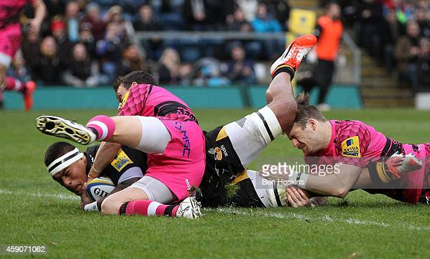 Nathan Hughes of Wasps scores his team's first try of the game during the Aviva Premiership match between Wasps and London Welsh at Adams Park on...