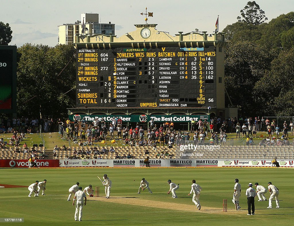 Nathan Lyon of Australia bowls to Ishant Sharma of India with an attacking field during day four of the Fourth Test Match between Australia and India at Adelaide Oval on January 27, 2012 in Adelaide, Australia.