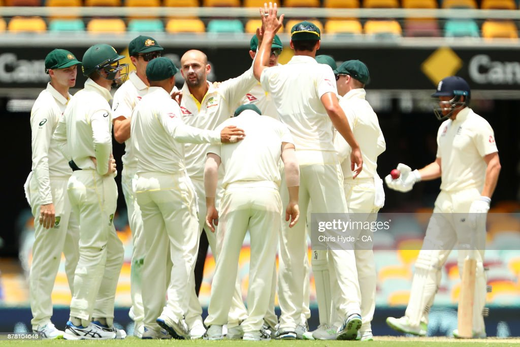 Australia v England - First Test: Day 2 : News Photo
