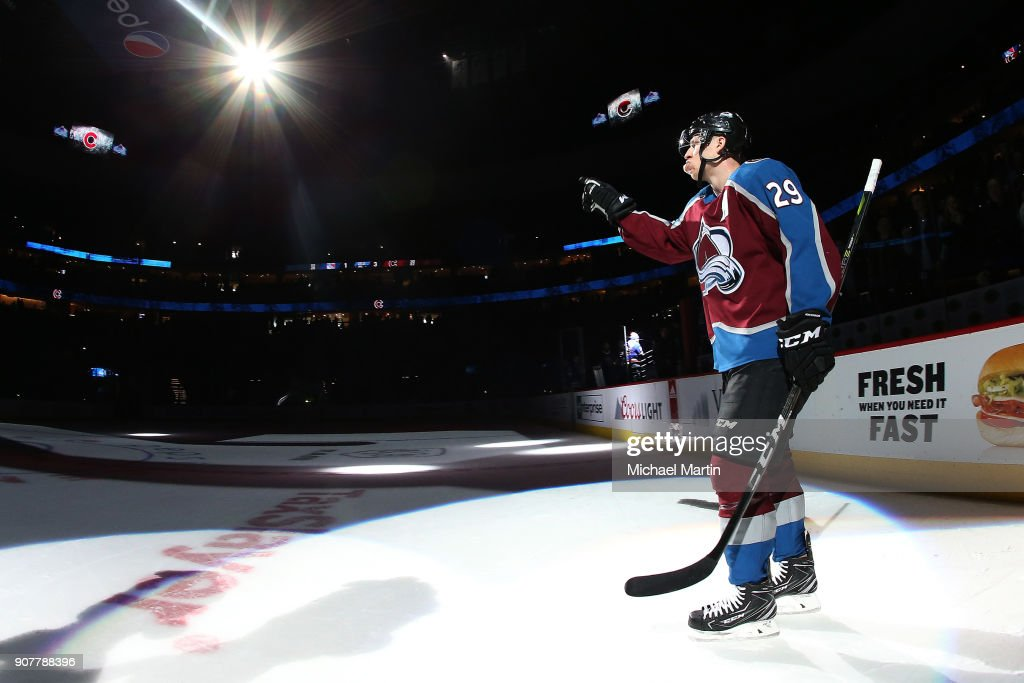 Nathan MacKinnon #29 of the Colorado Avalanche salutes the crowd after being named second star of the game against the New York Rangers at the Pepsi Center on January 20, 2018 in Denver, Colorado. The Avalanche defeated the Rangers 3-1.