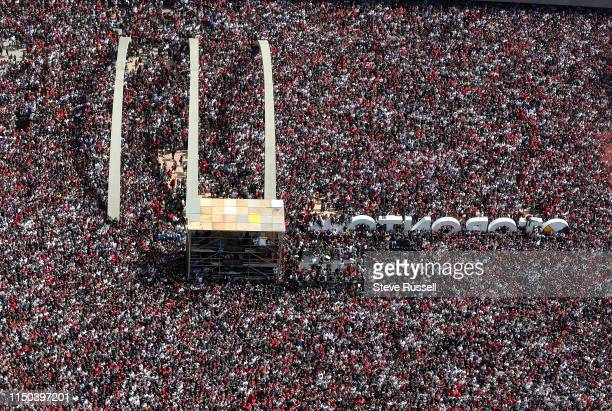 TORONTO ON JUNE 17 Nathan Phillips Square is packed as the Toronto Raptors hold their victory parade after beating the Golden State Warriors in the...