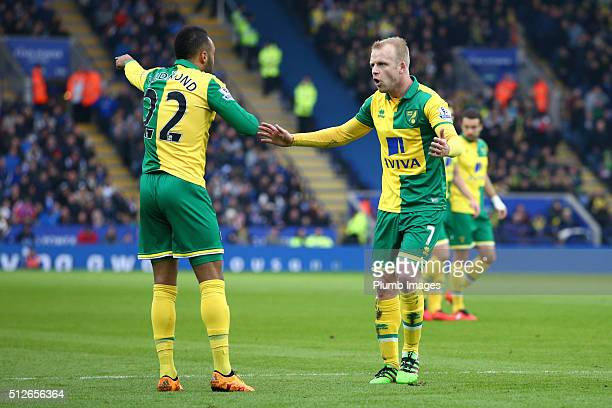 Nathan Redmond of Norwich City argues with team mate Steven Naismith of Norwich City during the Barclays Premier League match between Leicester City...