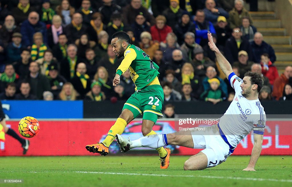 Nathan Redmond of Norwich City scores his team's first goal during the Barclays Premier League match between Norwich City and Chelsea at Carrow Road on March 1, 2016 in Norwich, England.