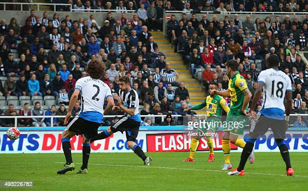Nathan Redmond of Norwich City scores their second goal during the Barclays Premier League match between Newcastle United and Norwich City at St...