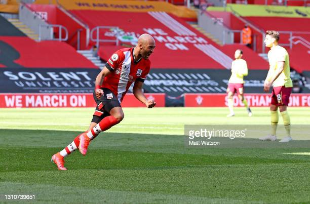 Nathan Redmond of Southampton celebrates after putting his team 3-2 up during the Premier League match between Southampton and Burnley at St Mary's...