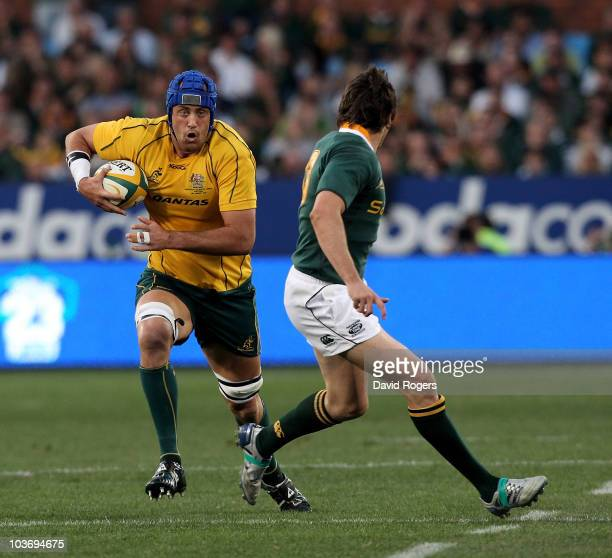 Nathan Sharpe of the Wallabies charges upfield during the 2010 TriNations match between the South African Springboks and the Australian Wallabies at...