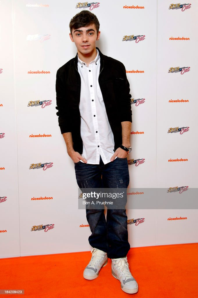 nathan sykes attends the uk premiere of sam cat at cineworld 02 nachrichtenfoto getty images. Black Bedroom Furniture Sets. Home Design Ideas