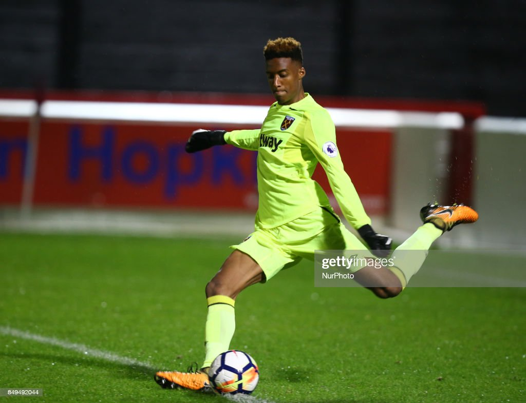 Nathan Trott of West Ham United during Premier League 2 Division 1 match between West Ham United Under 23s and Liverpool Under 23s at Dagenham and Redbridge Chigwell Construction Stadium, Dagenham, England on 18 Sept 2017.