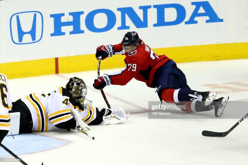 Boston Bruins v Washington Capitals : News Photo