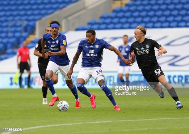Nathaniel MendezLaing and Robert Glatzel of Cardiff City FC during the Sky Bet Championship match between Cardiff City and Charlton Athletic at...