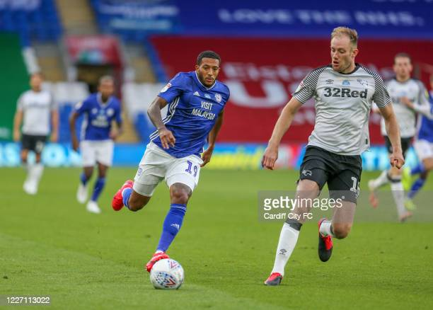 Nathaniel MendezLaing of Cardiff City FC and Matthew Clarke of Derby County during the Sky Bet Championship match between Cardiff City and Derby...