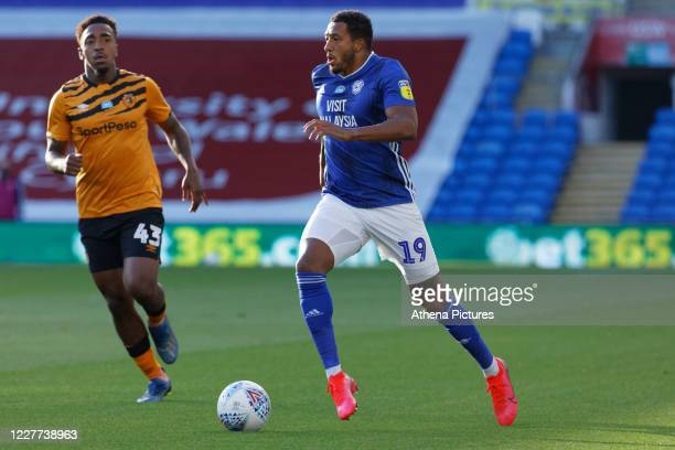 Nathaniel MendezLaing of Cardiff City runs forward during the Sky Bet Championship match between Cardiff City and Hull City at the Cardiff City...