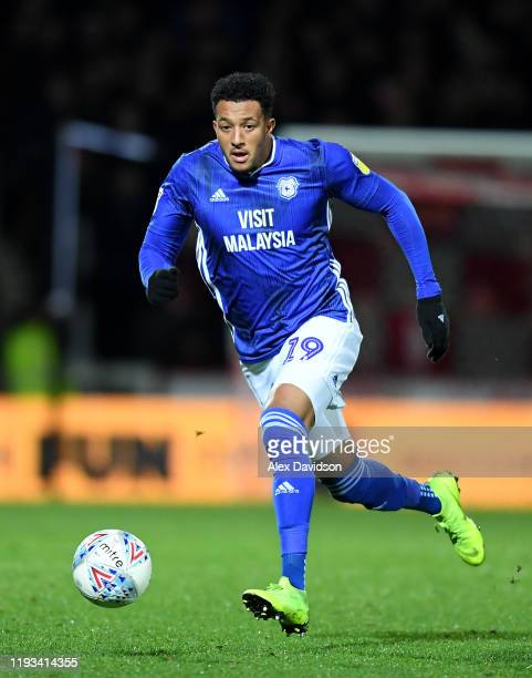 Nathaniel MendezLaing of Cardiff City runs with the ball during the Sky Bet Championship match between Brentford and Cardiff City at Griffin Park on...