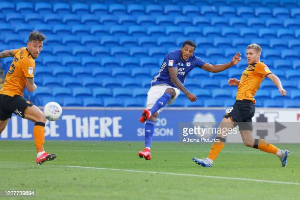 Nathaniel MendezLaing of Cardiff City takes a shot during the Sky Bet Championship match between Cardiff City and Hull City at the Cardiff City...