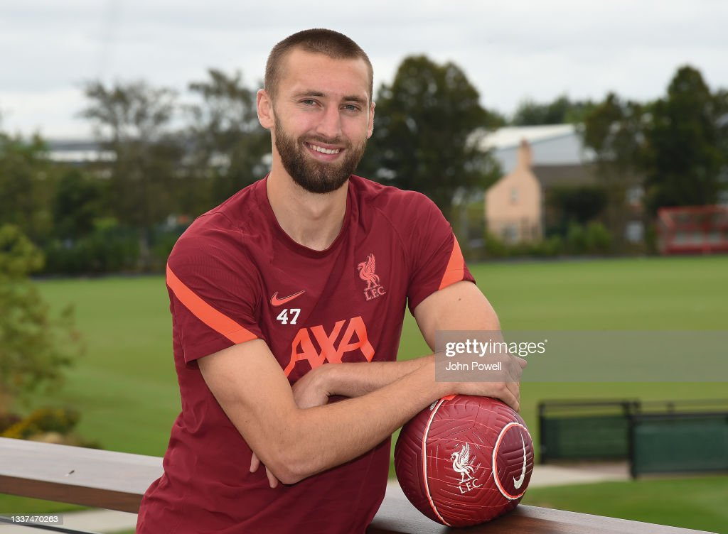 Nathaniel Phillips Signs a Contract Extension at Liverpool : Nachrichtenfoto