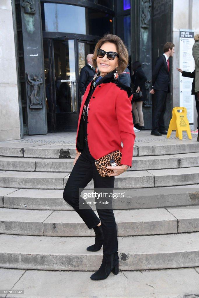 Giambattista Valli : Outside Arrivals - Paris Fashion Week Womenswear Fall/Winter 2018/2019