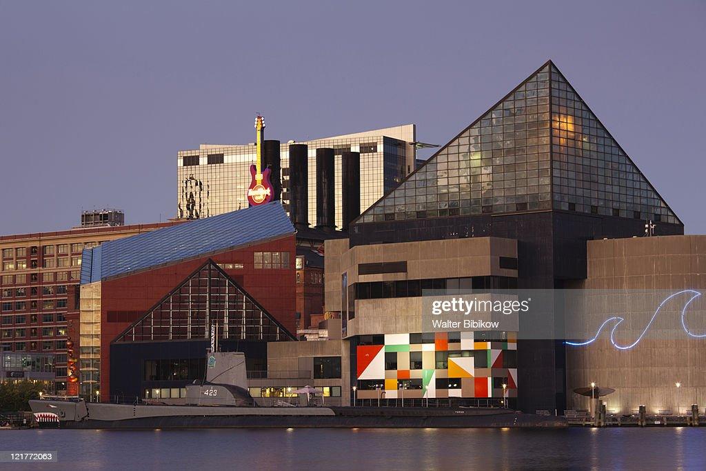 National Aquarium at dusk, Baltimore, Maryland, USA : Foto de stock