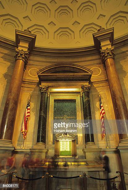 national archives, declaration of independence - national archives washington dc stock photos and pictures