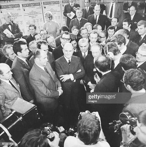 National Assembly Election 1970, The picture shows the first interviews after the election 1970, One can see Bruno Kreisky , Josef Klaus and...