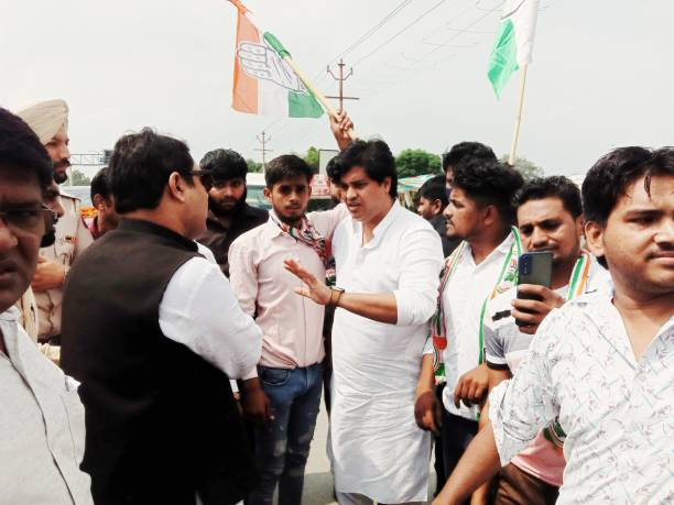 IND: Congress Leader Imran Pratapgarhi Welcomed By Party Workers In Ghaziabad