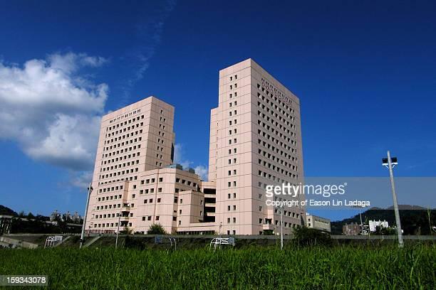 national chengchi university - größere sehenswürdigkeit stock-fotos und bilder
